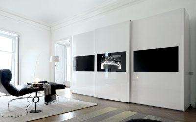 ארון טלוויזיה חלונות שחורים