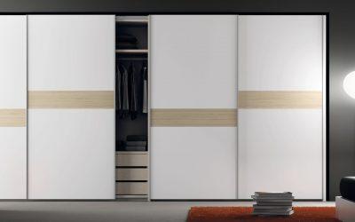 ארון קיר לבן משולב עץ