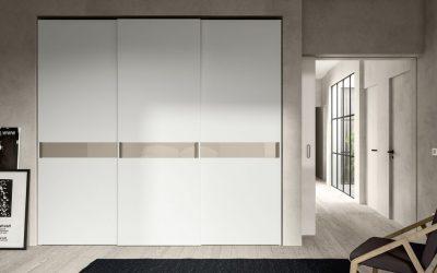 ארון קיר לבן סטריפ מבריק